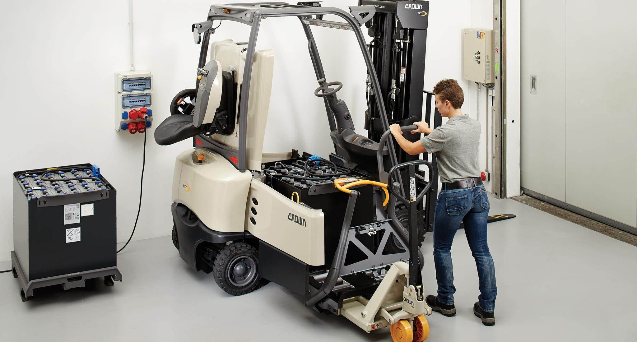 Forklift battery power